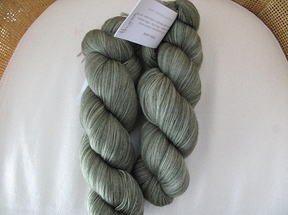 Green yarn tosh lace thyme