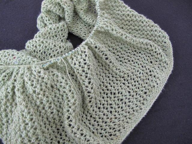 Amalfi lace infinity cowl wip 01