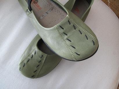 Green yarn shoes
