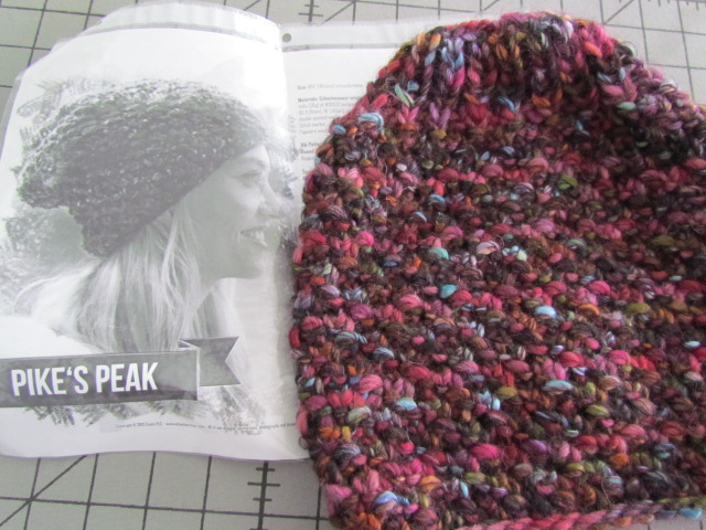 Pikes peak hat and blue bubbles 001