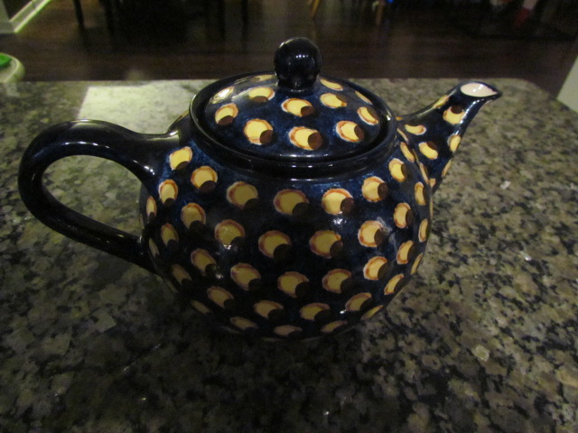 Pottery teapot 003