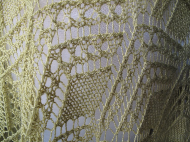 Glencoe lace closeup 01