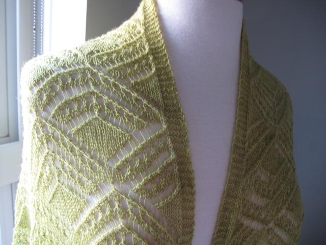 Glencoe lace on mannequin 01